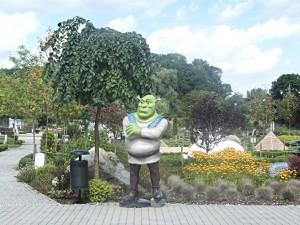 Hned u vchodu hlídá Shrek