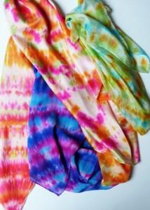 hedvábné batikované šátky